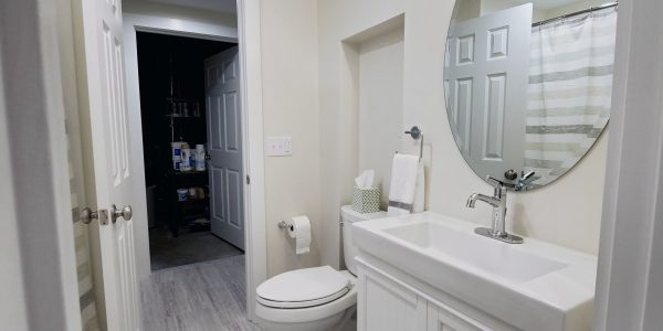 Pearly White Full Bath with Signature Hardware Lander Vanity
