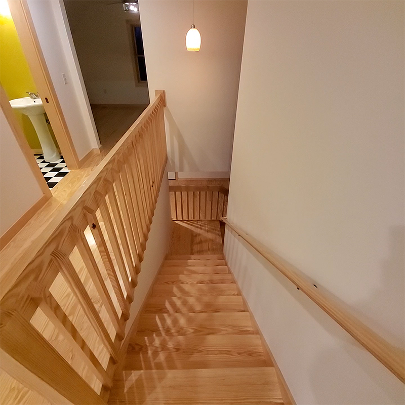 Custom Southern Yellow Pine Staircase